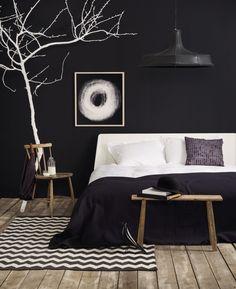 Dunkele Wandfarben sind jetzt voll im Trend