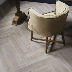 Hongaarse Punt art. 2472 - - PVC vloer | collectie - Producten - Jansma Wonen Sol Pvc, Pvc Flooring, Floors, Chevrons, Floor Design, Decoration, Bassinet, Ikea, Sweet Home