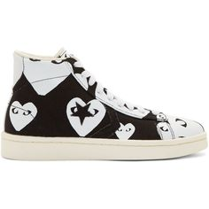 Comme Des Garons Play Black and White Heart Print Converse Edition... (520 BRL) ❤ liked on Polyvore featuring shoes, sneakers, converse, black and white shoes, rubber shoes, black and white high tops, lacing sneakers and canvas high top sneakers