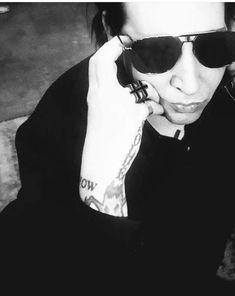 Marilyn Manson, Sexy, Badass, Horror, Daddy, Goth, Artists, Sunglasses, Random