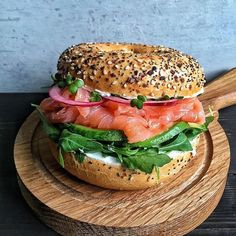 """- """"Nothing says good morning like a bagel with all the trimmings! """"Nothing says good morning like a bagel with all the trimmings! I Love Food, Good Food, Yummy Food, Healthy Snacks, Healthy Eating, Healthy Recipes, Eating Clean, Smoked Salmon Bagel, Salmon Avocado"""