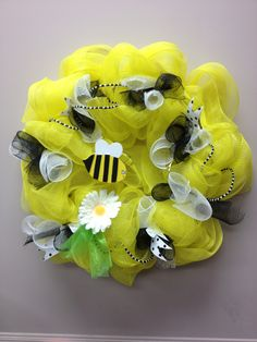 Bumble bee, deco mesh wreath, yellow, black and white, beads, summer wreath