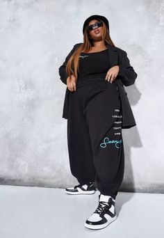 Sean John x Missguided Plus Size Black City Logo Oversized Joggers   Missguided Curvy Girl Outfits, Plus Size Outfits, Mode Streetwear, Streetwear Fashion, Jogging, Oversized T Shirt Dress, Plus Size Looks, Mode Plus, Babe