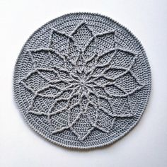 "957 Likes, 31 Comments - Aki M (@knitpurlhook) on Instagram: ""Finally got around to trying this beautifully simplistic mandala and all I can say is I have…"""