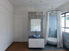 #Baños #Bathrooms #Casas Íntima grandeza - Casas - Revista Espacio&Confort - Arquitectura y Decoración