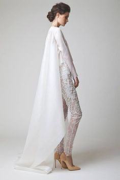 Lace is a classic wedding look for almost any bride. Explore this list of lace wedding dresses for ideas for your perfect style! Bridal Cape, Bridal Gowns, Evening Dresses, Formal Dresses, Wedding Dresses, Lace Wedding, Wedding Summer, Trendy Wedding, Dresscode