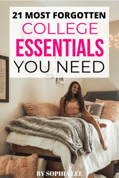 love love love this college dorm room essentials!!! I really learned a lot for my roommate and I. Making me so excited for my dorm room! Pink Dorm Rooms, Boho Dorm Room, College Dorm Rooms, College Life, Dorm Packing Lists, College Packing, College Necessities, College Essentials, Dorm Room Checklist
