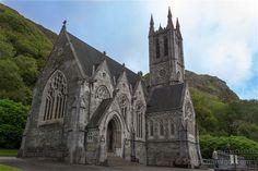 La pequeña iglesia de la abadía de Kylemore
