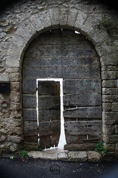 this is the doorway to the part of me that knows Narnia, Harry Potter and The Lord of the Rings exist...