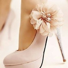 Pale peach pumps World's Most Beautiful, Beautiful Bride, Girls Party Dress, Amazing Flowers, Nice Flower, Pretty Shoes, Wedding Shoes, Bridal Shoe