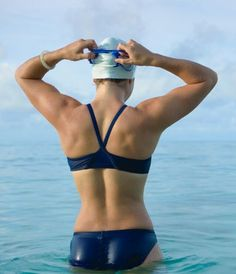 Swimming Body, Swimming Diving, Girls Swimming, Female Swimmers, Female Athletes, Triathlon Women, Swimming Motivation, Swimming Photography, Olympic Swimmers