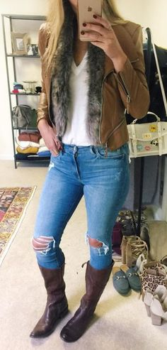 5d4aab77b37 35 Catchy Fall Outfits To Wear at Different Occasions. Winter Fashion  OutfitsWomen s Summer FashionFall OutfitsAutumn FashionDistressed JeansSweaters  ...