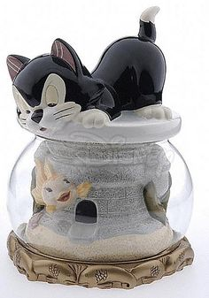 *CLEO & FIGARO ~ Cookie Jar - I have this jar but it is not one of my favorites.  It is HUGE and was not impressed.  One of the few Disney jars that I am not fond of.