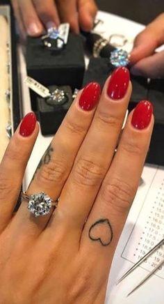 21 Best Red Nail Designs for Short Nails #red #rednail #nail #nails #nagel #nailart