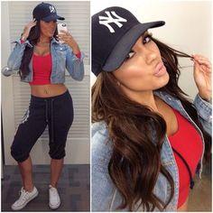 Always gotta love the chillaxing Hip-Hop look… Cept for the Yankees cap… defd1d256
