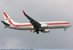 Garuda Indonesia - Boeing 737-800 PK-GFN - Singapore Changi Airport Singapore Changi Airport, Boeing Aircraft, Jets, Airplane, Planes, Aviation, Memories, Adventure, Chicken