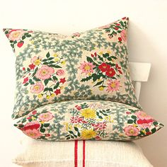 Vintage Floral Barkcloth Pillow by jillbent on Etsy