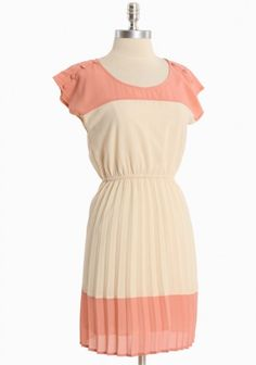 Ivory and coral pleated summer dress, just waiting for some statement jewelry !
