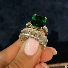 When comes to visit, she goes straight to the classics! A timeless emerald ring and a perfect emerald cut eternity ring available from . Reposted from ⚜️💚⚜️ Emerald Diamond, Emerald Cut, Eternity Rings, High Jewelry, Vintage Signs, Shades Of Green, Mink, Gems, Gift Ideas