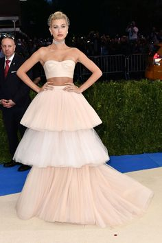 Hailey Baldwin wore a tiered Carolina Herrera look.