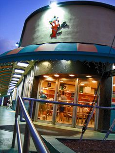 Miami Beach's Famous Rascal House Deli Cloese