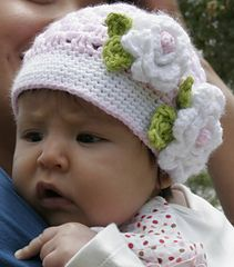 Crochet Baby Hats McKinley's Springtime Hat ~ free pattern ᛡ - Crochet Baby Clothes, Crochet Baby Hats, Crochet Beanie, Knit Or Crochet, Crochet For Kids, Crochet Crafts, Baby Knitting, Crochet Projects, Free Crochet