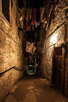 A lovely shot by Paul McGuigan for Edinburgh Spotlight. #edinburgh #underground
