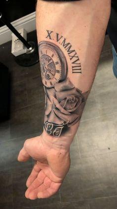 Black and Grey Half Sleeve - Tattoo Oberschenkel Frau Space Tattoo Sleeve, Disney Sleeve Tattoos, Skull Sleeve Tattoos, Half Sleeve Tattoos For Guys, Best Sleeve Tattoos, Tattoo Sleeve Designs, Men Back Tattoos, Best Tattoos For Men, Black Men Tattoos