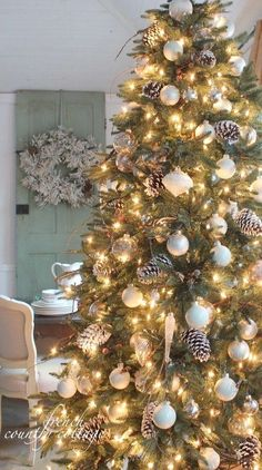 Looking for Christmas Tree decorating inspiration? Interior designer, Laurel Bern shares images of 22 magical christmas trees full of inspiring ideas.