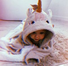 Cute Little Baby, Pretty Baby, Cute Baby Girl, Mom And Baby, Cute Funny Baby Videos, Cute Funny Babies, Cute Kids, Sweet Baby Photos, Baby Girl Pictures