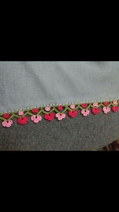 HUZUR SOKAĞI (Yaşamaya Değer Hobiler) Kare Kare, Filet Crochet, Diy And Crafts, Craft, Crochet Doilies, Needlepoint, Lace, Tejidos