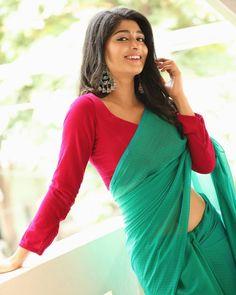 Costumes Around The World, Saree Models, Indian Sarees, Indian Beauty, Cute Girls, Sari, Traditional, Fashion, Indian Saris