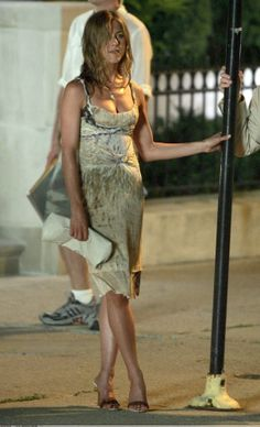 Jennifer Aniston in The Break Up, in Calvin Klein. That they wouldn't put this stunning dress into production makes me le sad. But, I guess bespoke dresses are one of the perks of being super mega famous. And awesome. Not to mention SHIT hot.