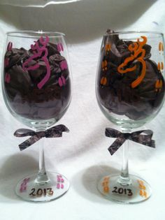 Hand painted wine Glass, Hunting wine glass set, Deer wine glass set, Ready to ship