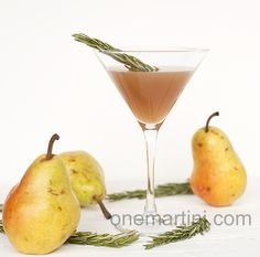 pear drinks | pear rosemary vodka cocktail #springforpears and #usapears