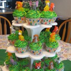 Animal jungle theme cupcakes