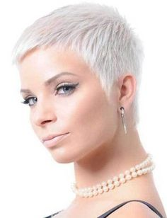 10 Very Short Pixie Haircuts: #2. Very Short Bleached Blonde Pixie