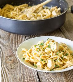One pot wonder Cajun chicken alfredo is a lightened-up copy-cat version of a similar dish from Red Lobster. It's pasta and chicken in a spicy alfredo sauce