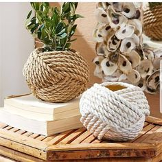 great coffee Part of making a house a home is adding things you love. Create a breezy coastal vignette on a coffee table or bookshelf with this handmade rope vase. This Knotted Rope Vase Twine Crafts, Rope Crafts, Diy Home Crafts, Handmade Home, Handmade Copper, Diy Para A Casa, Deco Boheme Chic, Rope Decor, Apollo Box