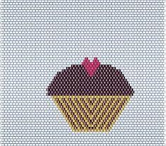 Operation Tackle That Bead Stash!: Hey Cupcakes! Free brick stitch cupcake pattern.