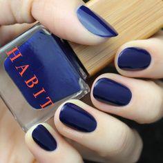 Hannah of HannahRoxIt in Habit Cosmetics Nail Polish 17 Deep Sea