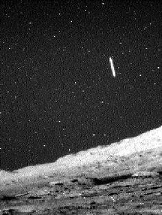 UFO Sightings: Curiosity Rover Spots Cigar-like Object on Martian Sky