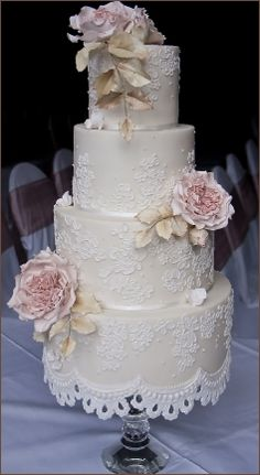 A beautiful Wedding Cake - Wendy Schultz ~ Wedding Cakes.
