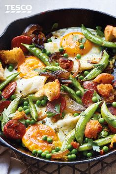 Chorizo and pea hash : Whether for brunch, lunch or a quick dinner, this chorizo and pea hash is an all day winner. Crispy chunks of chorizo, golden ciabatta and sugarsnap peas are finished with fried eggs for a 20 minute meal. Healthy Cooking, Cooking Recipes, Healthy Meals, Cooking Icon, Cooking Hacks, Veggie Meals, Quick Recipes, Easy Meals, Slow Cooker Sausage Recipes