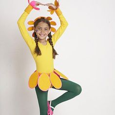 Make an easy flower costume for your kids for Halloween.