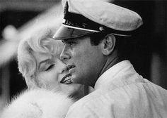 Marilyn Monroe and Tony Curtis in Some Like It Hot (1959).
