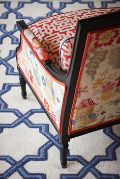 geometric and asian scenic fabrics with double welt trim, blue and white woven rub: Chinoiserie Chic: Red, White, and Blue Chinoiserie