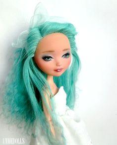 Isey (OOAK Custom Ever After High Madeline Hatter doll)