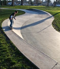 The multiuse entrance to Pier Park Skate Park in Portland, Oregon.