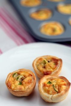 Zucchini and cheese tartlets . - zucchini and cheese tartlets More - No Cook Appetizers, Finger Food Appetizers, Appetizer Recipes, Elegant Appetizers, Empanadas, Quiches, Healthy Egg Breakfast, Breakfast Cups, Breakfast Recipes